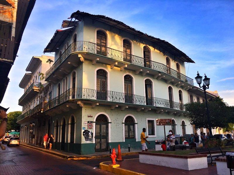 large_Panama_building_1.jpg