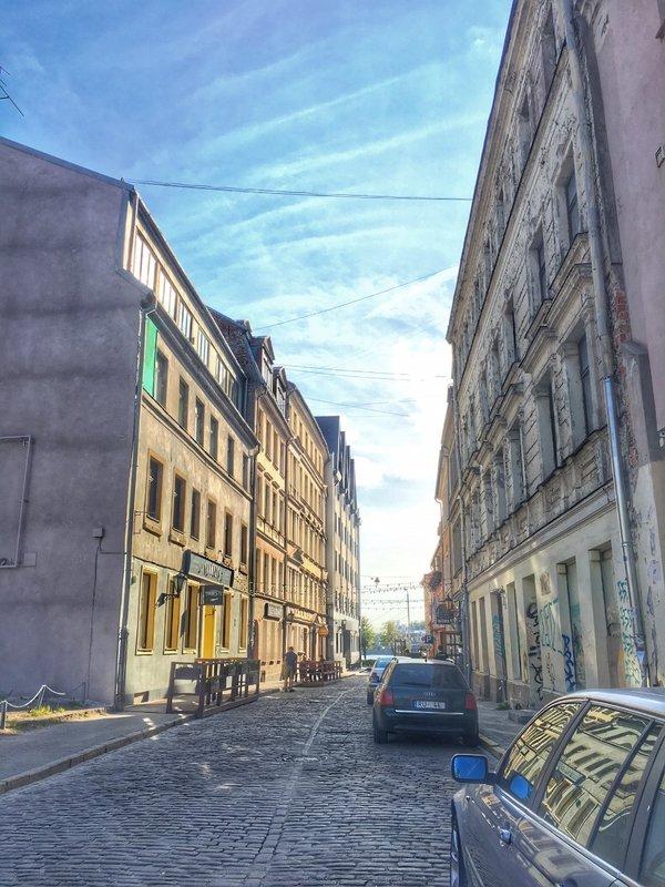 large_Riga_street_scene_2.jpg