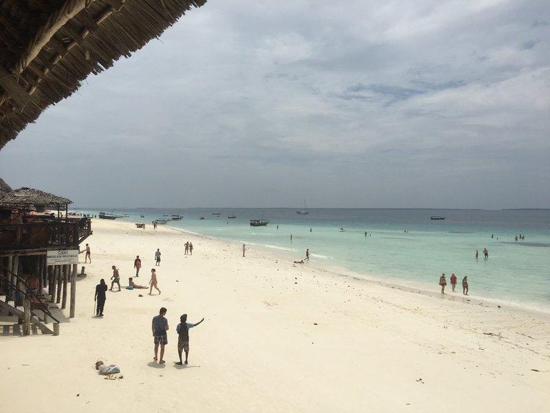 large_Zanzibar_beach_-_2.jpg