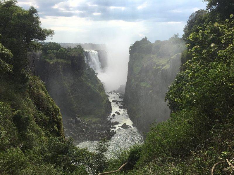 large_Zimbabwe_-.._-_Vc_Falls.jpg