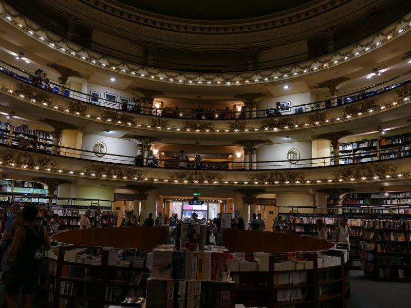 théatre devenu librairie