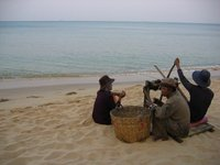 Pulling a fishing net in, Phu Quoc Island