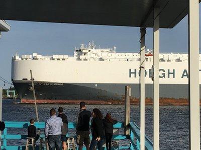 That's a BIG ship!