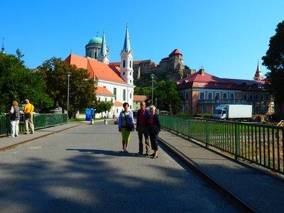 Blick auf den Burghügel mit der St. Adalbert Kathedrale in Esztergom