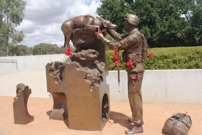 Explosive Detection Dogs monument