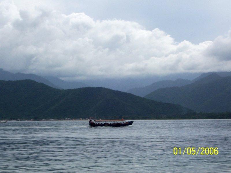 Leaving Isla Larga