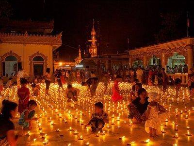 buddhist-festival-myanmar_37915_990x742