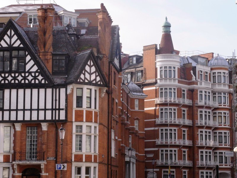 London Kensington - residential houses and roofs 2010