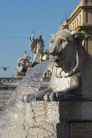 The central fountain of Piazza del Popolo