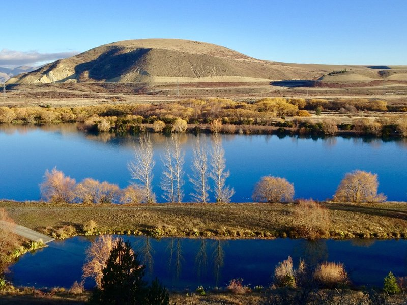 The land on which Twizel was built was part of a large sheep station named Ruataniwha Station. Lake Ruataniwha sits by Twizel; it was completed in 1982 as part of Waitaki hydroelectric project.