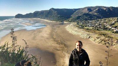 Piha_Beach_from_Lion_Rock.jpg