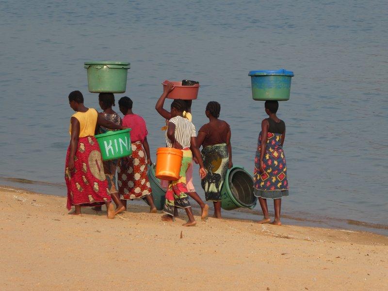 Women at Malawi Lake