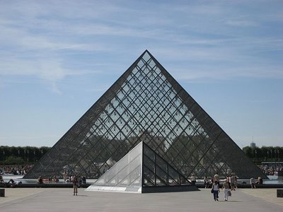 Louvre_triangles.jpg