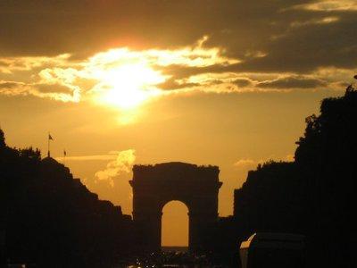 sunset_ove..riomphe.jpg