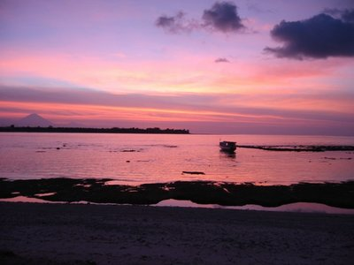 Indonesia_Gilimeno_RedSunset