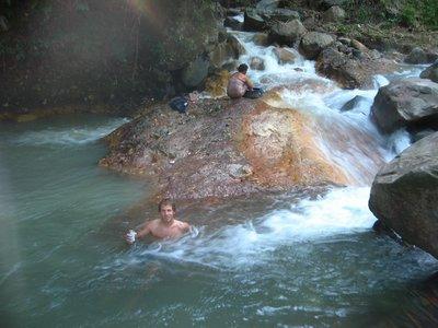Indonesia_..tspring.jpg