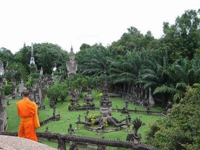 Laos_Vientiane_Monks
