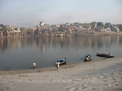 Varanasi_C..erShore.jpg
