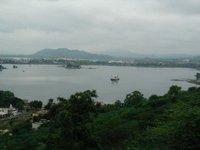 Mesmerising view of Lake Fateh Sagar from Nimach Temple, Udaipur
