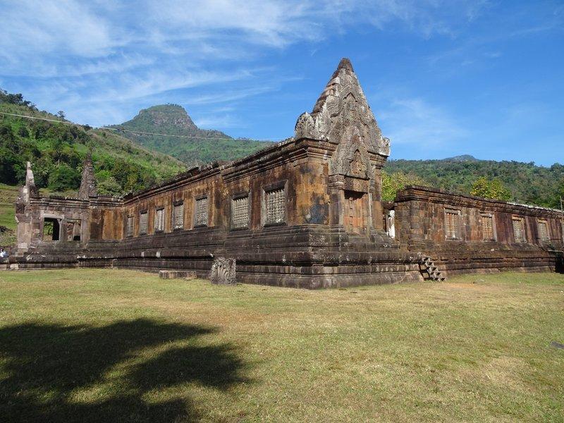 Wat Phu palace