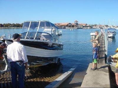 2738257-Hillarys_Boat_Harbour_Mullalloo_Beach.jpg