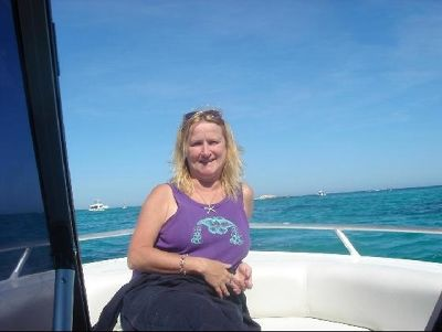 2738260-Boating_in_Perth_Mullalloo_Beach.jpg
