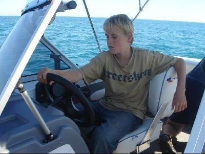 2738262-Perth_Boating_Mullalloo_Beach.jpg