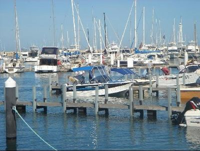 2738297-Boat_Hire_Perth_Mullalloo_Beach.jpg