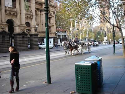 2816976-Melbourne_walking_Melbourne.jpg