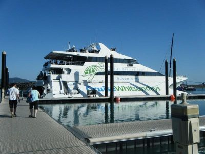 Cruise Whitsundays to Knuckle Reef