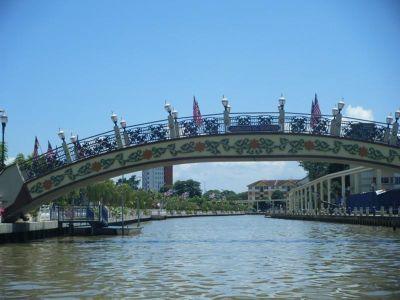 4909214-Kampung_Morten_Bridge_Melaka.jpg