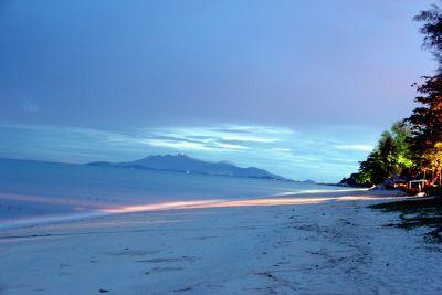6560147-Penang_Beach_by_aussirose_Penang.jpg
