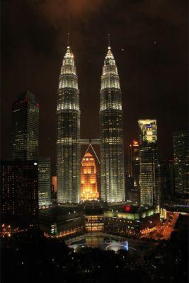 706857556589582-Twin_Towers_..ala_Lumpur.jpg