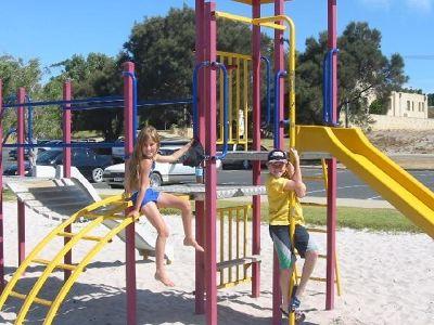 812567-Mandurah_south_of_Perth_Mandurah.jpg
