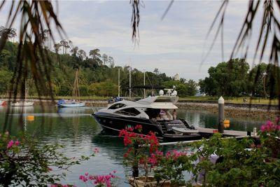 958727306294359-Huge_boat_Te..u_Langkawi.jpg