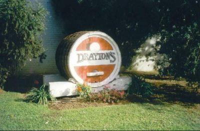 998351-Draytons_winery_Pokolbin.jpg