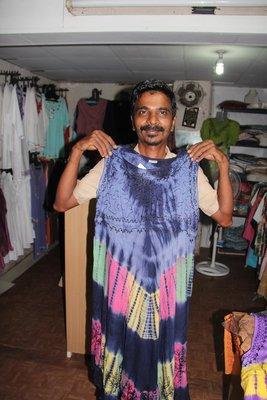 Anas_tries_on_dress.jpg