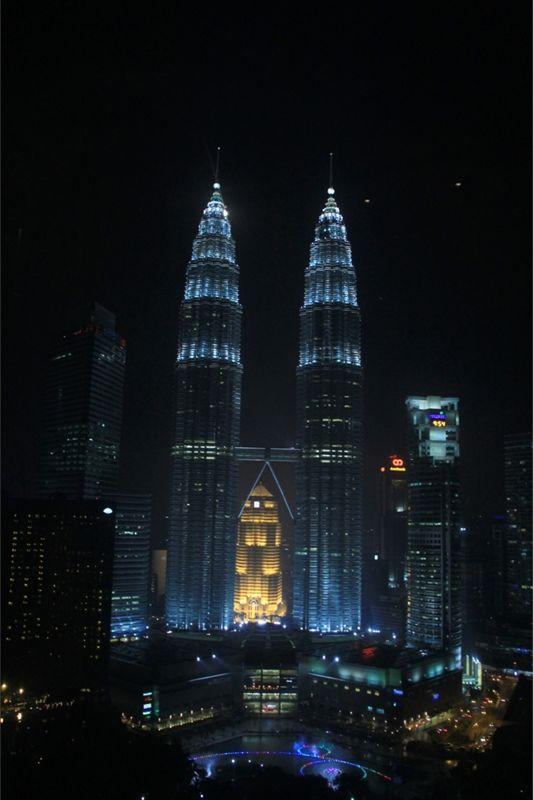 217781966589583-Twin_towers_..ala_Lumpur.jpg
