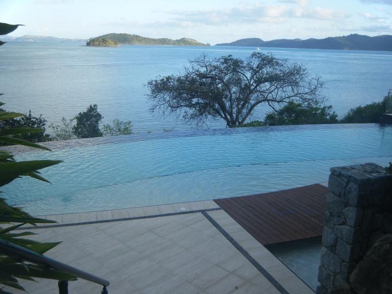 Shorelines14 Infinity Pool - Hamilton Island