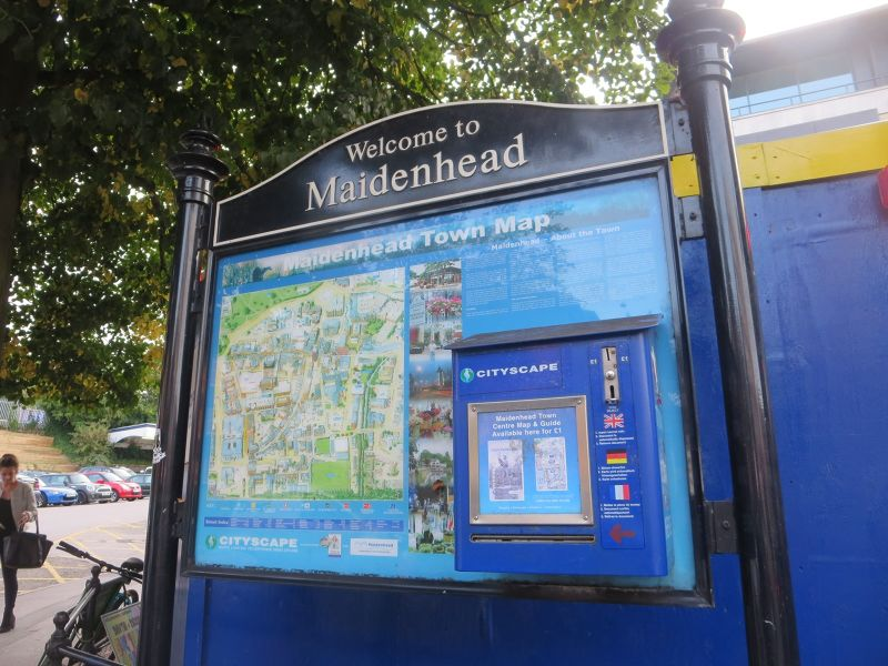 Maidenhead sign