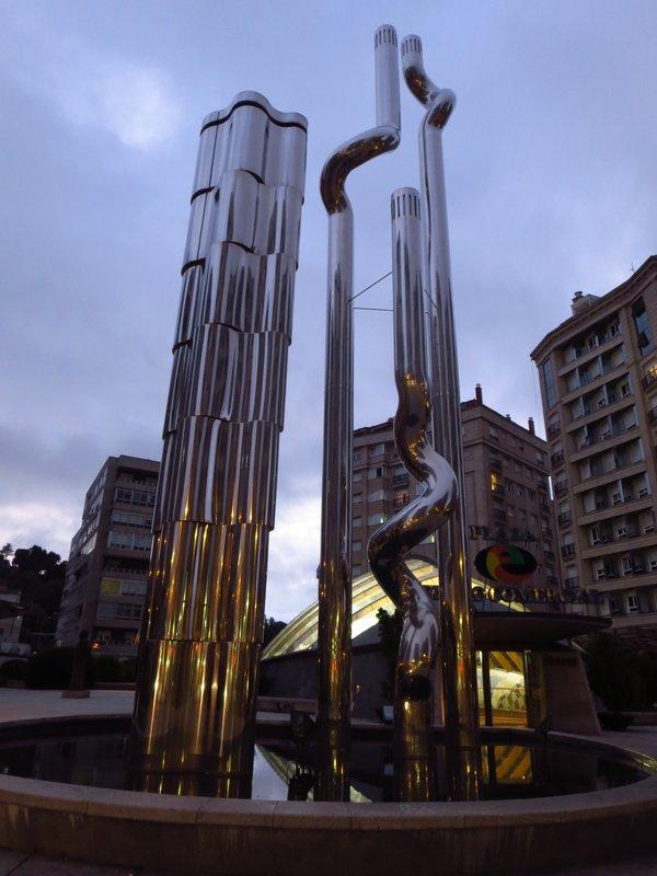 Eliptica Square Monument
