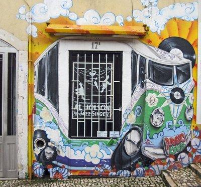 004_Lisbon_graffitti_02.jpg