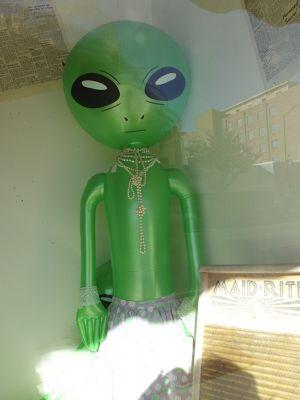 241714935923665-More_alien_e..ll_Roswell.jpg