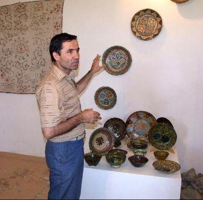 3642643-Gijduvan_ceramics_museum_Bukhara.jpg