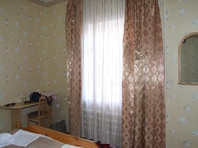 3673176-Our_room_at_the_Zarina_B_B_Samarkand.jpg