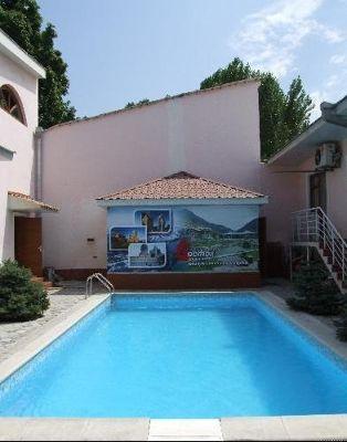 3681374-Pool_at_the_Grand_Raddus_Tashkent.jpg