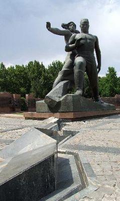 3681417-Earthquake_Memorial_Tashkent_Tashkent.jpg