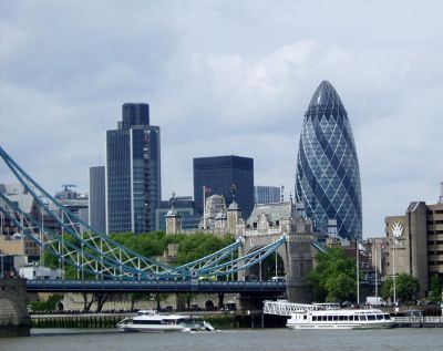 4366702-Thames_and_city_skyline_London.jpg