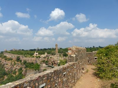 471055017551661-Ramparts_and..ittaurgarh.jpg