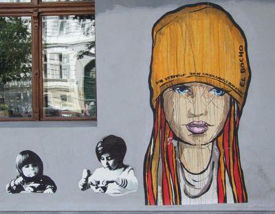 5095916-Graffiti_in_Oderberger_Strasse_Berlin.jpg